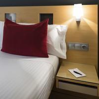 Ayre Hotel Caspe Guestroom
