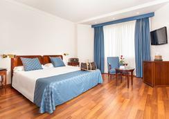 Ayre Hotel Astoria Palace Valencia - Valencia - Bedroom