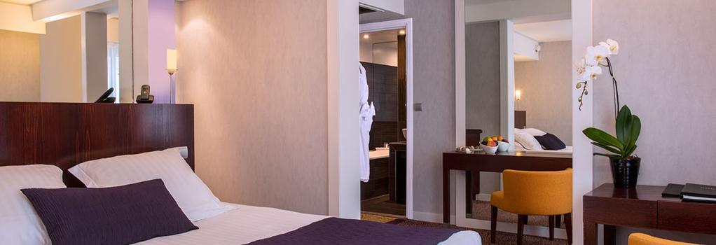 Hotel Ampere - Paris - Bedroom