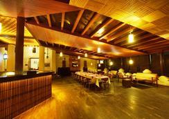 Jayamahal Palace Hotel - Bangalore - Restaurant