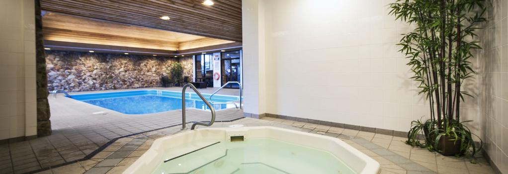 Thompson Hotel and Conference Center - Kamloops - Pool