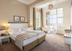 Hotel Strandschlösschen - Lübeck - Bedroom