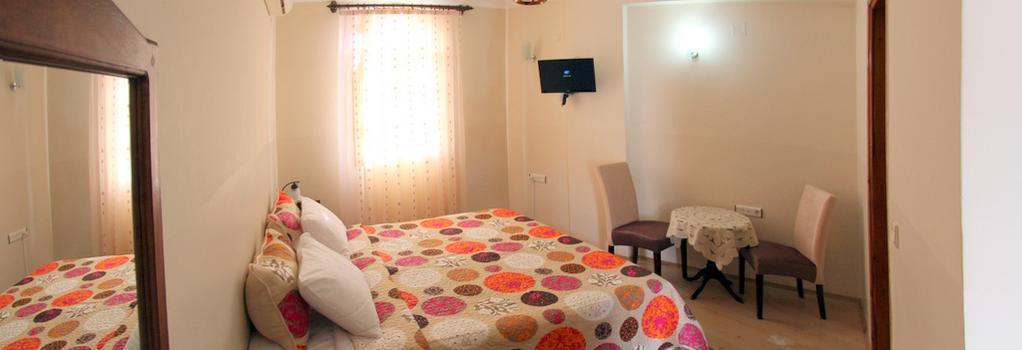 Akay Hotel - Selçuk - Bedroom