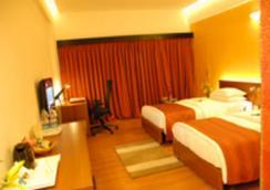 Dolphin Hotel - Visakhapatnam - Bedroom