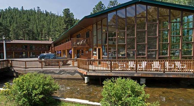 Nicky's Resort - Estes Park - Building