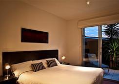 Brighton Bay Apartments - Brighton - Bedroom
