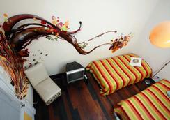 Angel Hostal - Valparaiso - Bedroom