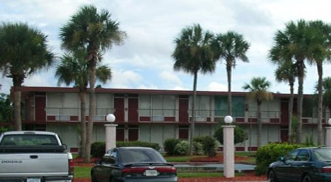 Intown Suites-Orlando North - Orlando - Building