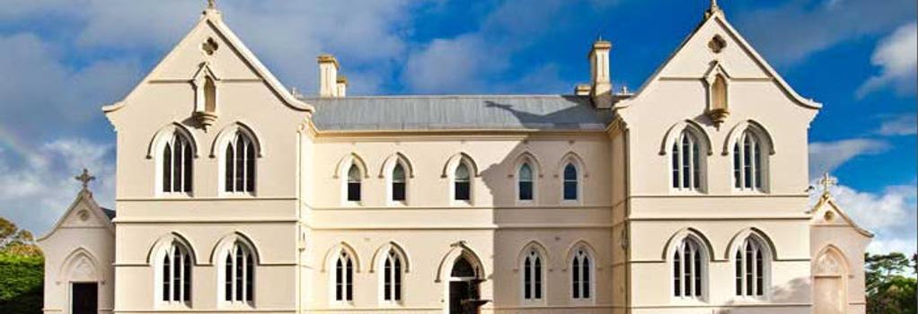 Saint Patrick's Luxury Boutique Hotel - Koroit - Building