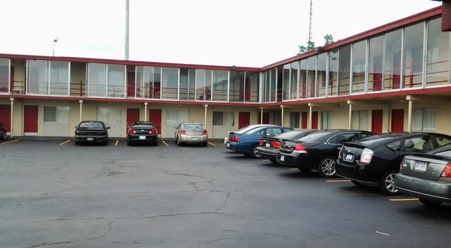 Seaway Motel - Muskegon - Building