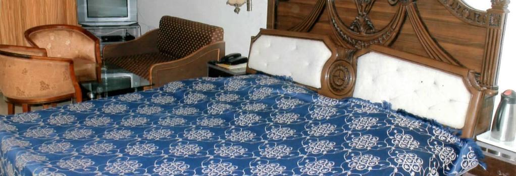 Crystal Palace - Mussoorie - Bedroom