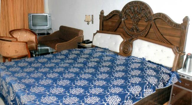 Crystal Palace - Mussoorie - Bedroom