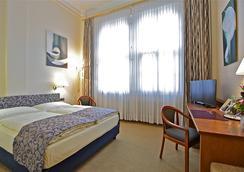 Hotel Viktoria - Cologne - Bedroom