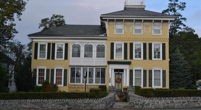 EJ Bowman House Bed & Breakfast - Lancaster - Building