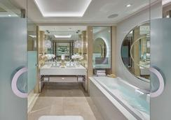 Crown Towers - Melbourne - Bathroom