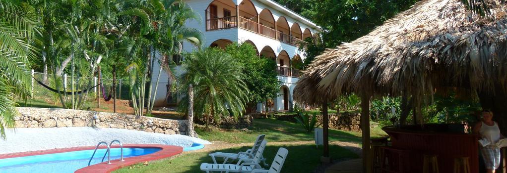 Colibri Hill Resort - Utila - Building