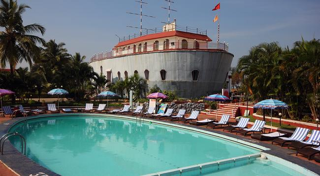 The Byke Old Anchor Beach Resort - Cavelossim - Attractions