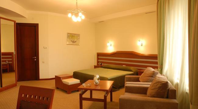 Hotel Vedzisi - Tbilisi - Bedroom