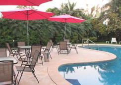 Asterión Hotel - Turismo y Negocios - Formosa - Pool