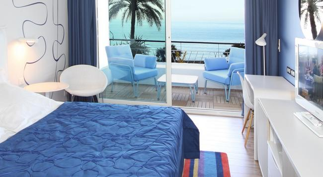 Hotel Victoria - Roquebrune-Cap-Martin - Bedroom