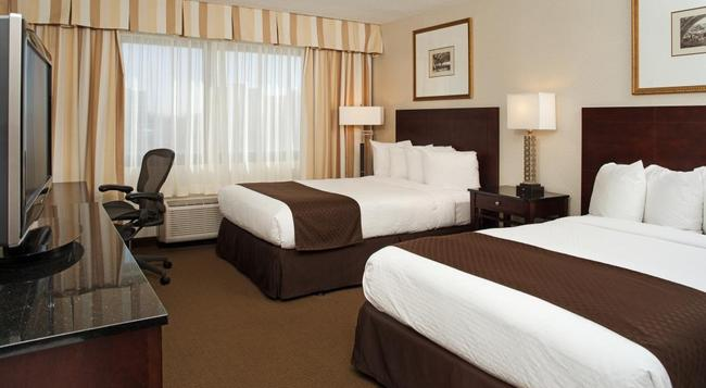 DoubleTree by Hilton Hotel Chicago - Schaumburg - Schaumburg - Bedroom