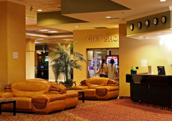 LA Crystal Hotel - Compton - Lobby