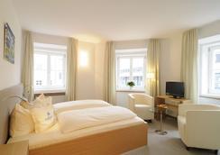 Hotel Blauer Bock - Munich - Bedroom