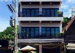 Enjoy's Beach House Karon - Karon - Outdoor view