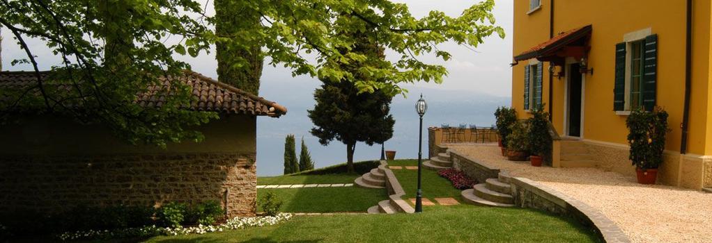Villa Sostaga Boutique Hotel - Gargnano - Building