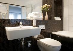 Hotel Stella Maris - Hamburg - Bathroom