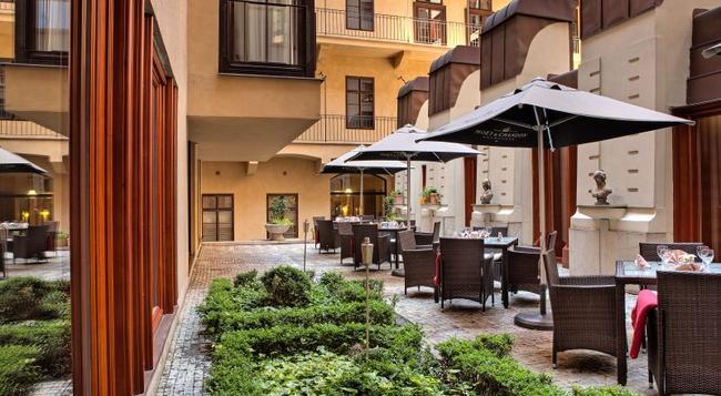 Hotel Majestic Plaza - Prague - Building