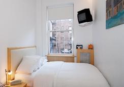 Colonial House Inn - New York - Bedroom