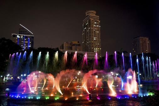 Red Planet Amorsolo - Manila - Attractions