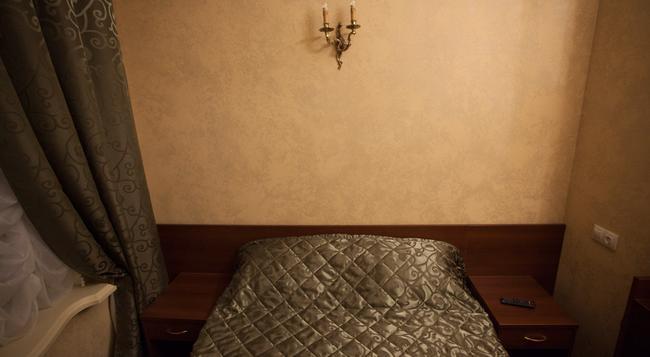Mini-Hotel Symphony - Saint Petersburg - Bedroom