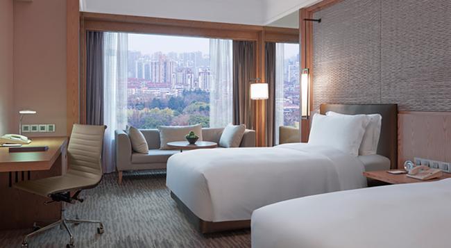 New World Shanghai Hotel - Shanghai - Bedroom