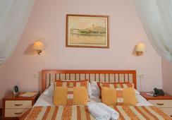 Hotel Trogir - Trogir - Bedroom