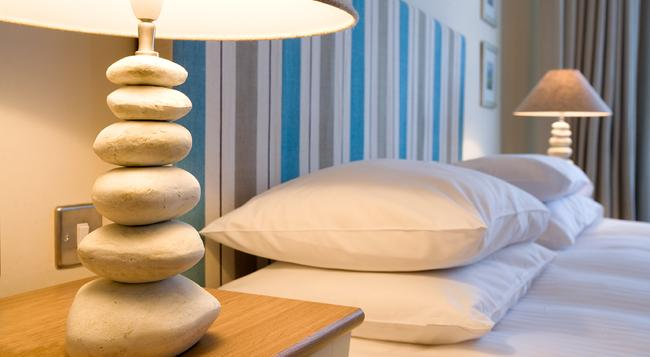 The Old Custom House - Padstow - Bedroom