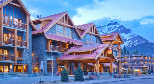 Moose Hotel and Suites - Banff - Building