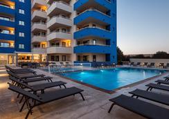 Ibiza Heaven Apartments - Sant Jordi de ses Salines - Pool