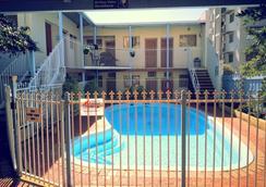 Hay Street Traveller's Inn - Hostel - Perth - Pool
