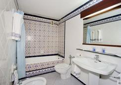 Macia Gran Lar - Sevilla - Bathroom