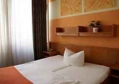 Hotel Columbia - Berlin - Bedroom