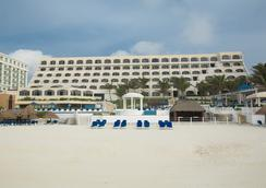 Golden Parnassus Resort & Spa - Cancun - Beach