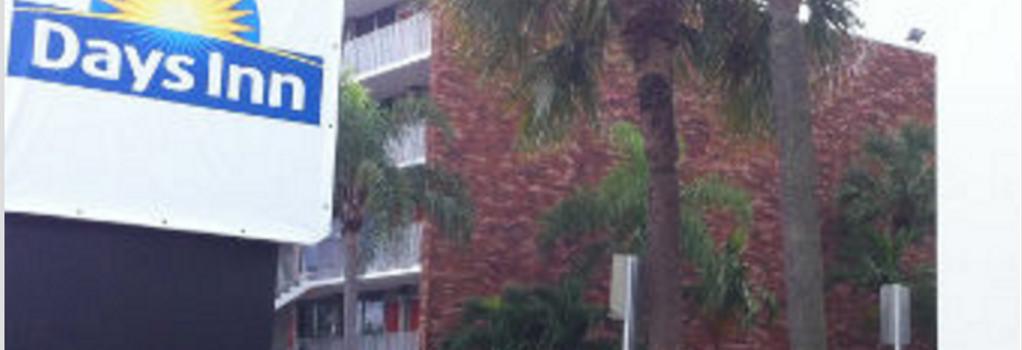 Days Inn Fort Lauderdale Airport Cruise Port - Fort Lauderdale - Building