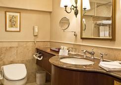 Imperial Hotel Taipei - Taipei - Bathroom