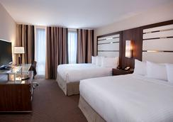 Hotel Le Cantlie Suites - Montreal - Bedroom