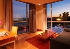 Hotel Sb Bcn Events - Castelldefels - Bedroom