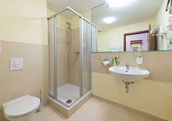 Hotel Zarenhof Friedrichshain - Berlin - Bathroom