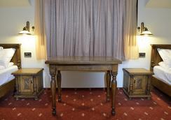 Hotel Castel Royal - Timisoara - Bedroom