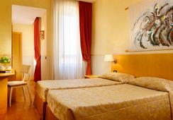Hotel Aphrodite - Rome - Bedroom